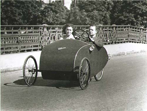Pierre Jahan - Voiture a pedales (Pedal-mobile or